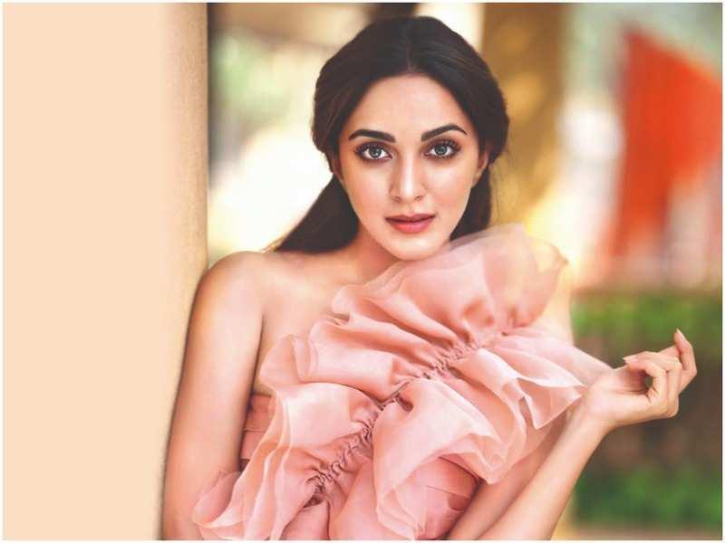 Net worth of Kiara Advani in Rupees - Fashionista Kiara